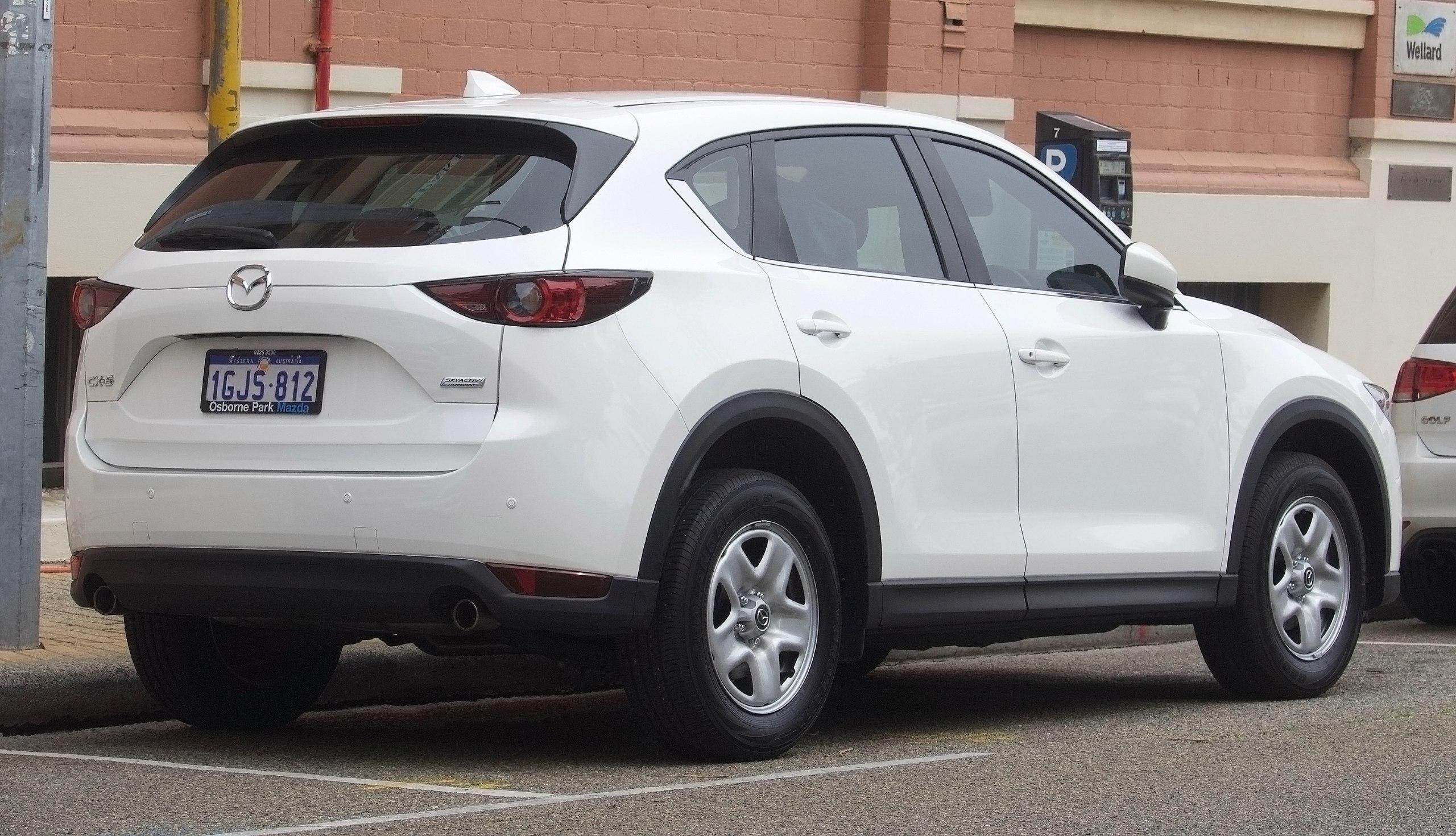 CX-5ホワイトリア