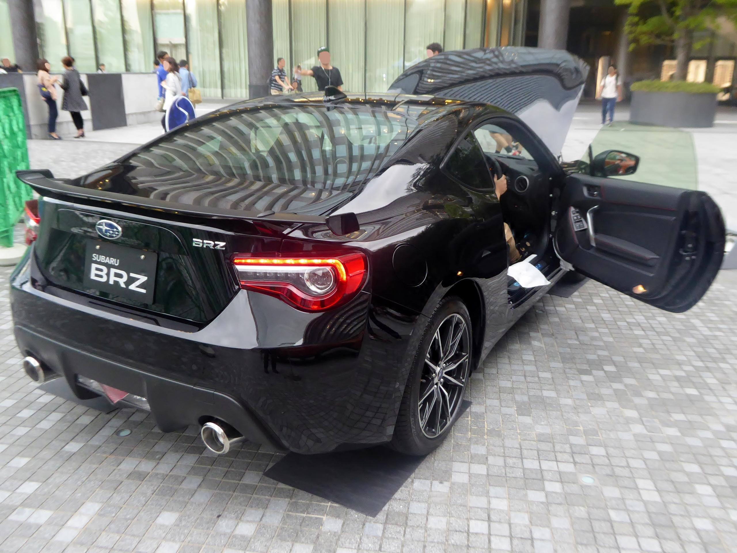 BRZはモテる車だがノーマルに近い状態で