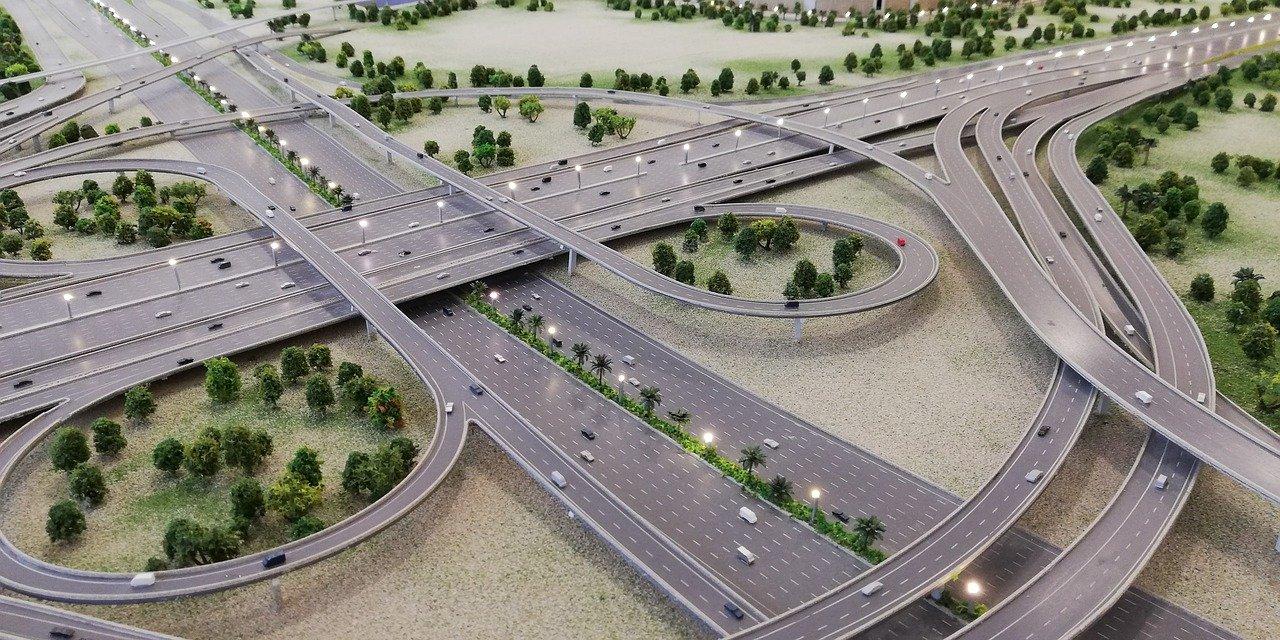 高速道路の難所:インターチェンジ
